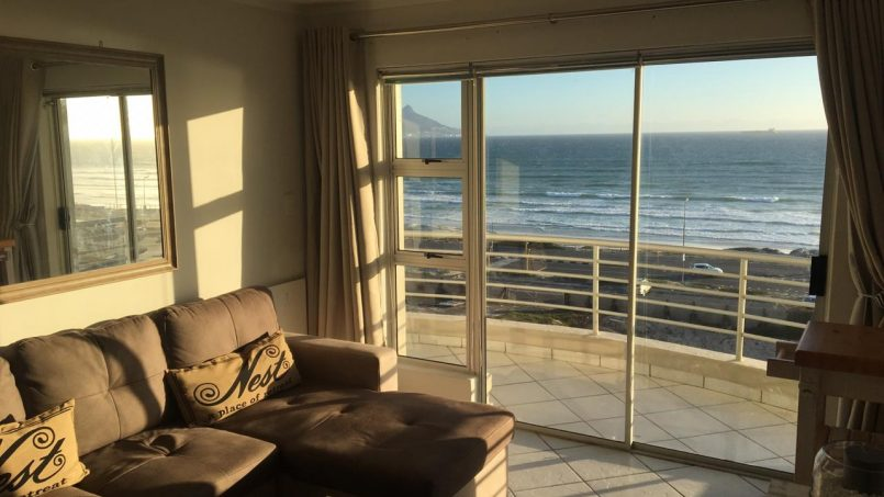 Bloubergstrand Holiday Apartment to rent