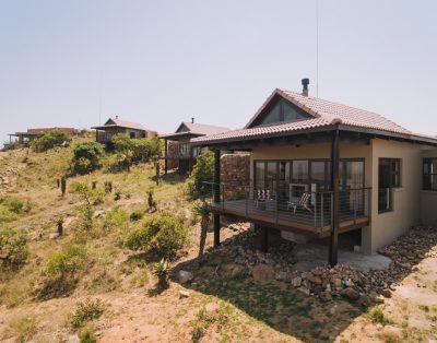 Hilltop Luxury Room – Zulu Rock Lodge Babanango